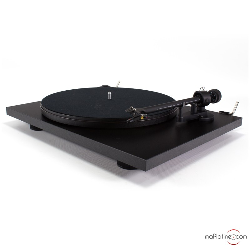 pro-ject elemental manual turntable essential 2